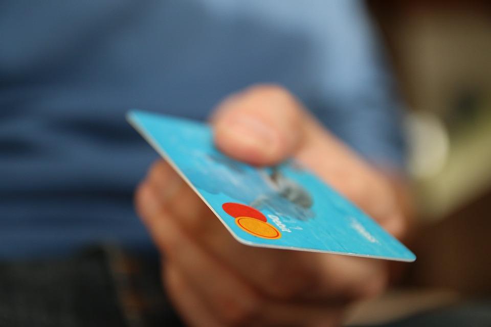 Stop kreditním kartám