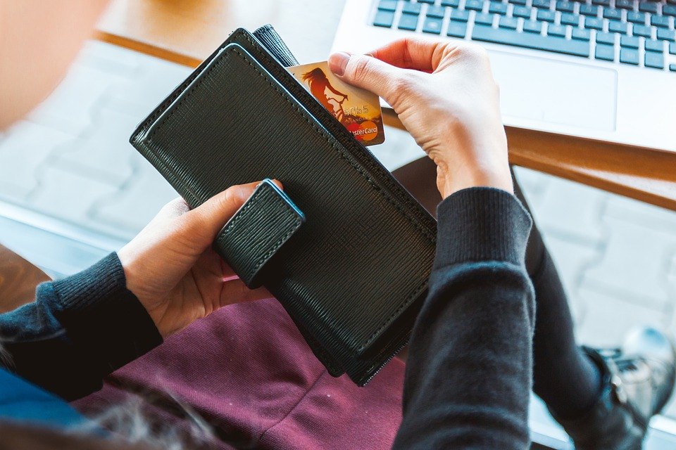půjčkám kvůli skrytým poplatkům