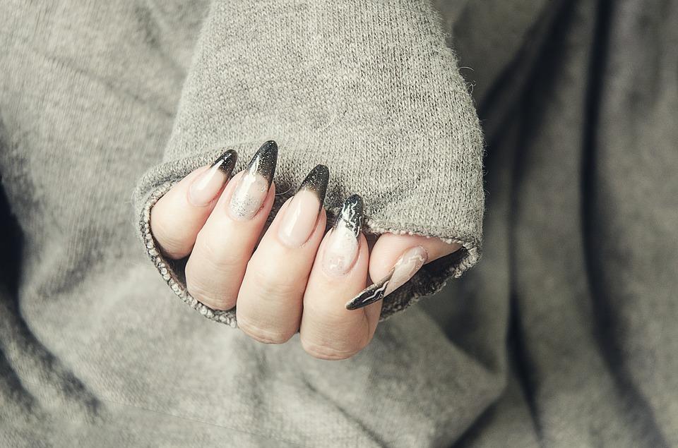 akrylové nehty
