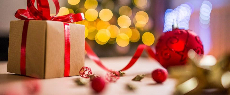 Zamilované páry a vánoční dárky