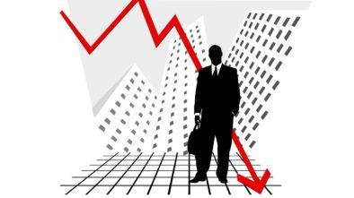 Ekonomika zažívá jednu ránu za druhou. Oslabila koruna a burzy tak špatné dny nepamatují